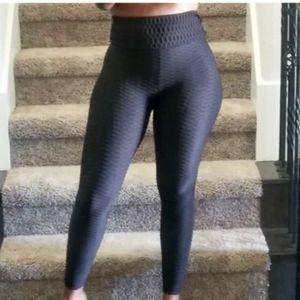 "New ""tik tok famous"" leggings"